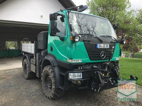 Mercedes-Benz Unimog U20 Année de construction 2011 A 4 roues motrices