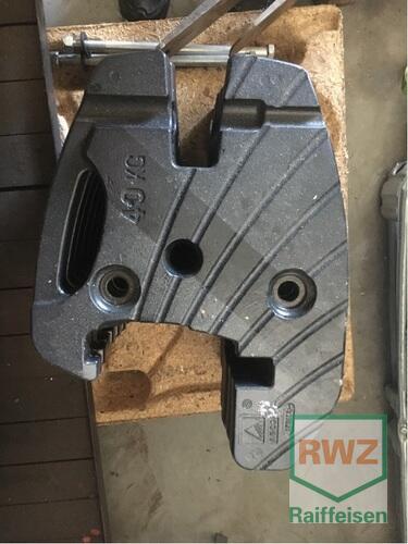 Valtra Frontgewichte 8 X 40kg Baujahr 2017 Langgöns