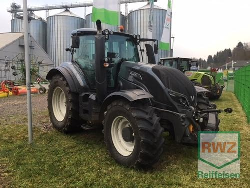 Valtra T174e A Schlepper Year of Build 2017 4WD