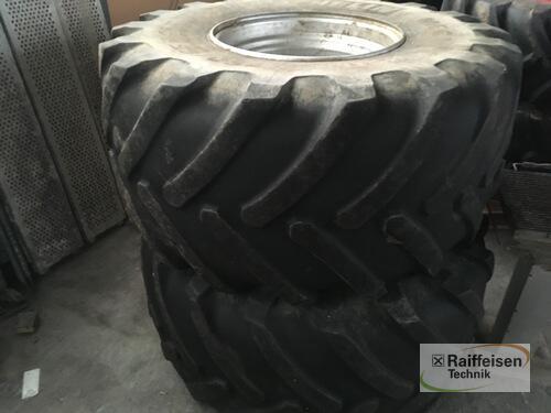 Michelin 750/65 R26