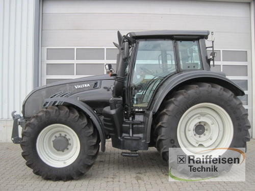 Valtra T202 Direct Year of Build 2012 4WD
