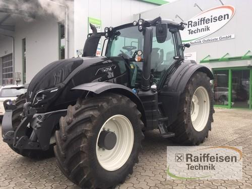 Valtra T 254v Smart Touch Year of Build 2017 Preetz