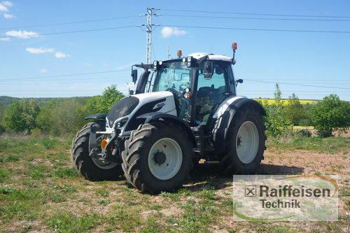 Valtra N154e Versu SmartTouch Year of Build 2017 Tüttleben