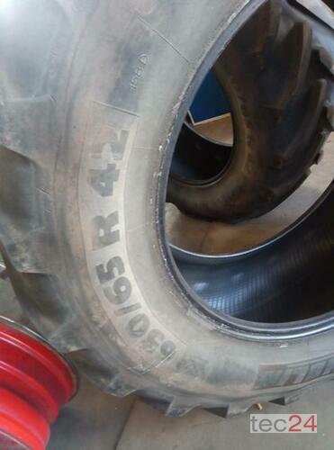 Michelin 650/65 R42