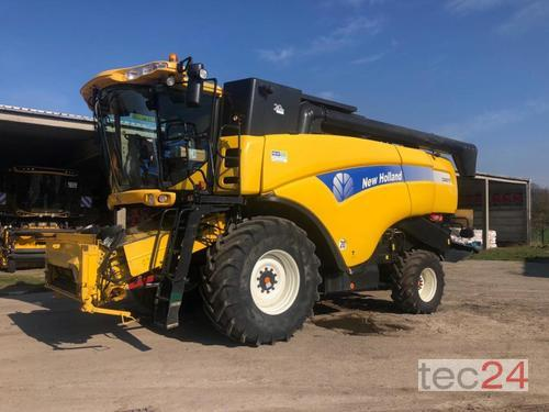 New Holland CX 8070 Année de construction 2009 Pragsdorf