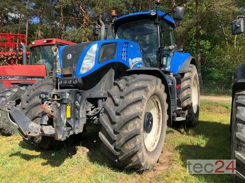 New Holland T 8.330 Año de fabricación 2014 Accionamiento 4 ruedas