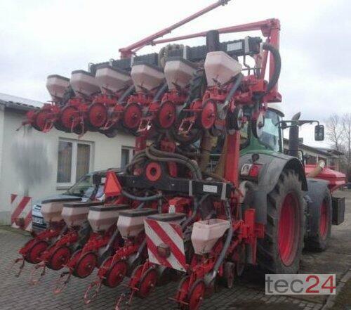 Kuhn Planter 12 Reihen + Fronttank Byggeår 2010 Pragsdorf