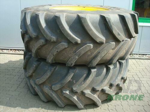 Firestone 650/75r38 Baujahr 2013 Spelle