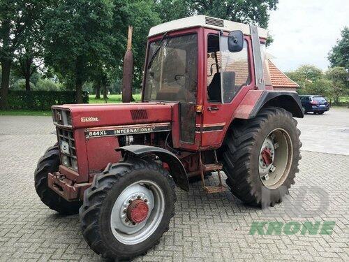 Case IH 844 Rok produkcji 1982 Czterokolowy