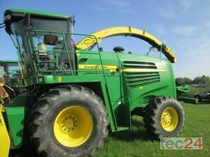 Forage Harvester - Self Propelled John Deere 7250 Image 0