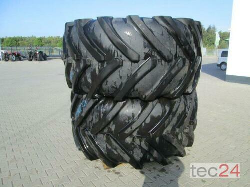 Michelin 900/60R32