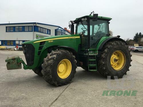 Traktor John Deere - 8130