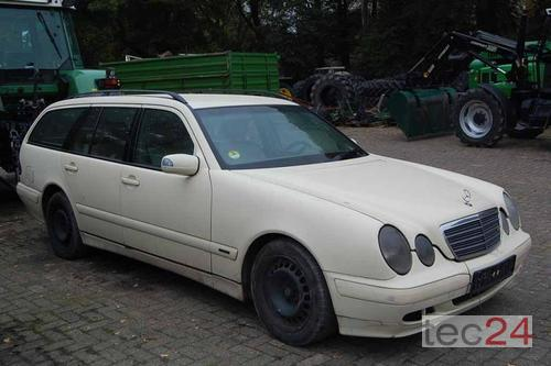 Mercedes-Benz E 220 Tdi *Zur Teilverwertung* Year of Build 2002 Bremen