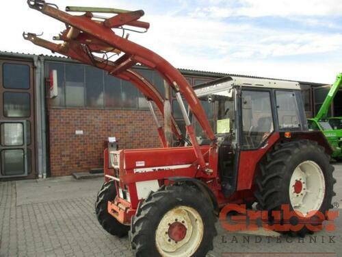 Case IH 844 S Frontlader Baujahr 1980