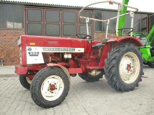 Traktor Case IH - 383