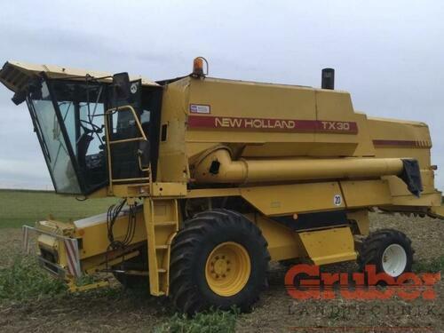 Combine Harvester New Holland - TX 30
