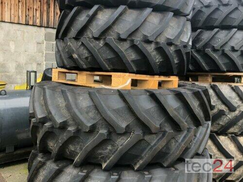 John Deere 2 Stück 600/65r28 & 2 Stück 650/65r42 Komplettradsatz Baujahr 2021 Bodenmais