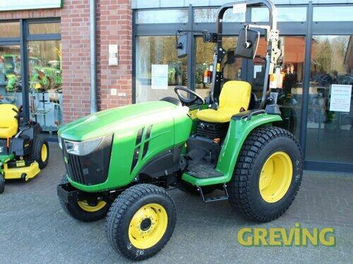Traktor John Deere - 3038 E