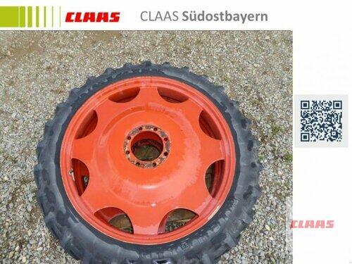 Michelin 230/95 R44 Auf Felgen Verbaut Auf Rau Spritze