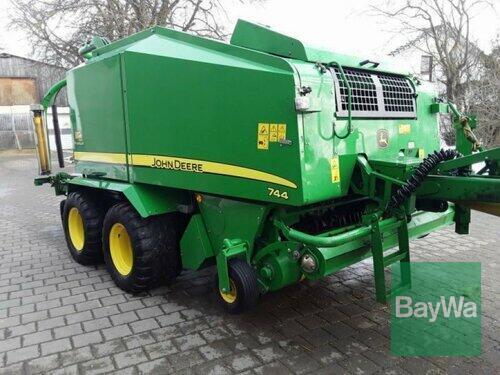 John Deere 744 Premium Anul fabricaţiei 2012 Erbach