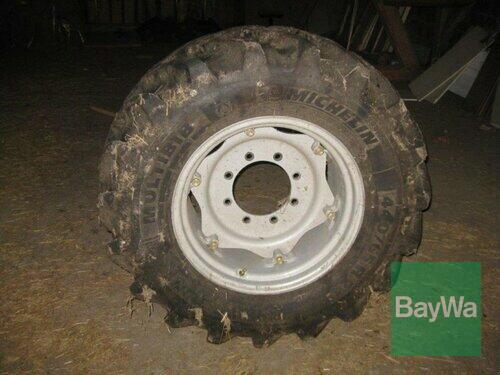 Michelin 440/65 R24