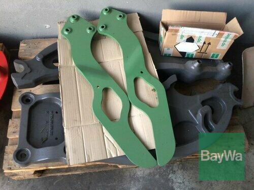 Fendt Frontladeranbauteile für 700 Vario S4 mit Haubenschutz