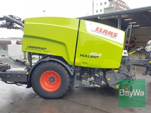 Claas Rollant 454 Uniwrap Year of Build 2017 Bamberg