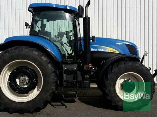 Traktor New Holland - T7070