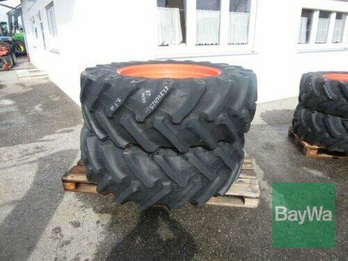 Pirelli 520/70 R38 #67