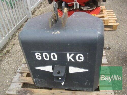 600 kg