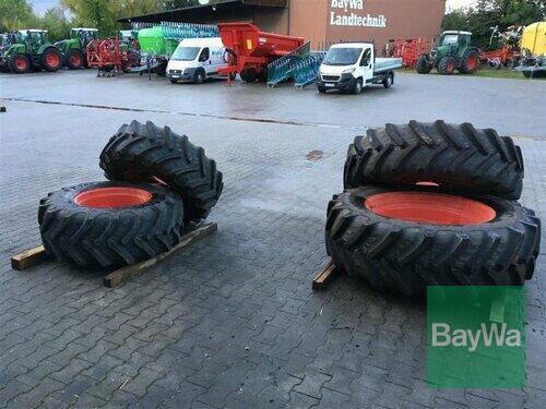 BKT 420/70 R24 + 480/70 R38 Straubing